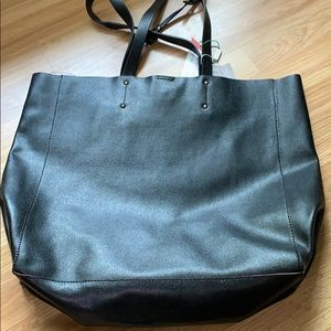 NWT BLACK 100% LEATHER TOTE